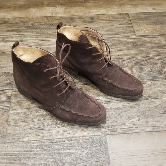 Kenneth Cole Brown Suede Ankle Booties
